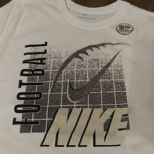 NWT. Nike football short sleeve shirt